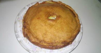 Рецепт курника с картофелем, мясом и луком, приготовленного дома