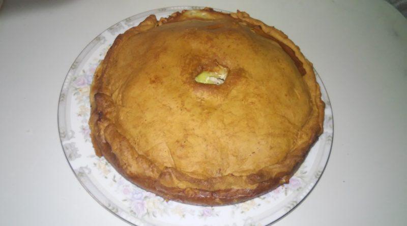 Рецепт курника с картофелем, мясом и луком приготовленного дома