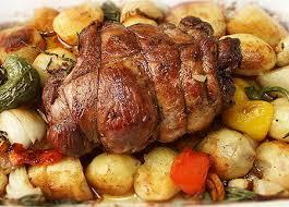 Блюда из баранины. Запечённая баранья спинка с  картофелем или бананами в духовке