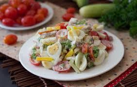 Ещё рецепт салата из макарон. Как приготовить вкусный и сытный салат из макарон.