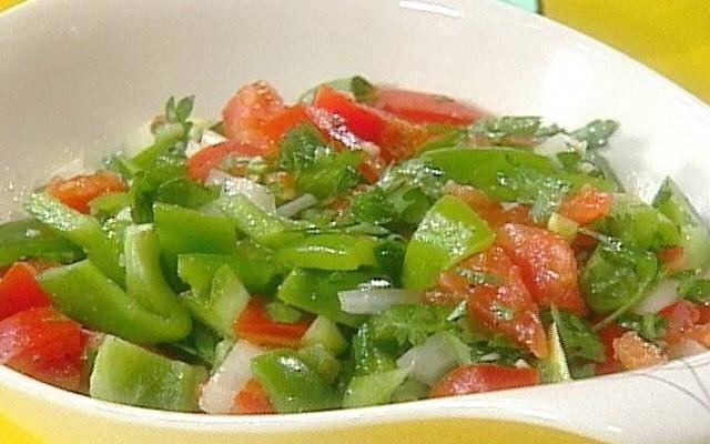 помидоры с зелёным перцем
