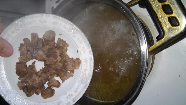 кладём мясо
