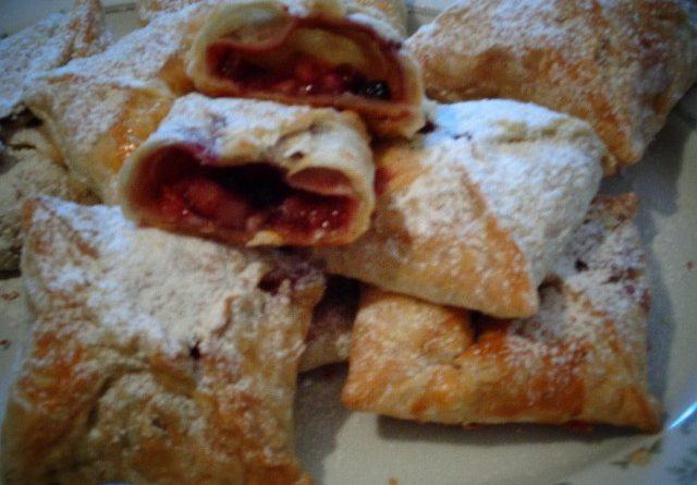 Пирожки. 2 рецепта приготовления пирожков в духовке с фото