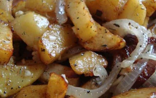 тушёная картошка с мясом готова