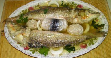 Рецепт вкусной фаршированной рыбы по-домашнему на праздничный стол