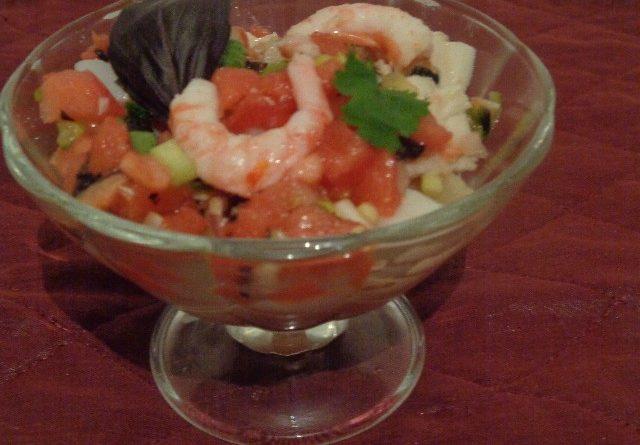 Простые и вкусные салаты с креветками на Новый год  ― пошаговые рецепты с фото