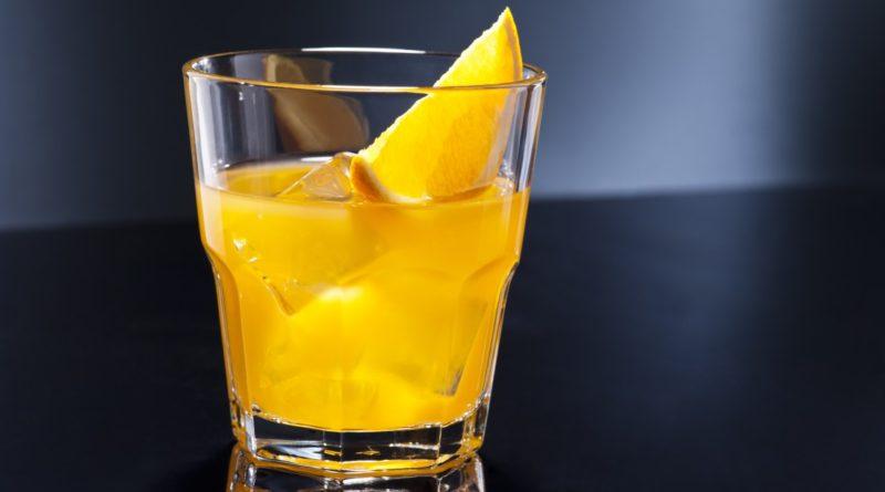 Алкогольные коктейли на Новый 2019 год. 35 рецептов приготовления коктейлей с водкой