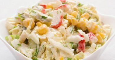 Рецепты салатов с крабовыми палочками. Готовим дома простые и вкусные салаты