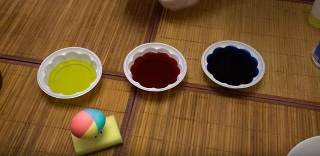 яйца многоцветные