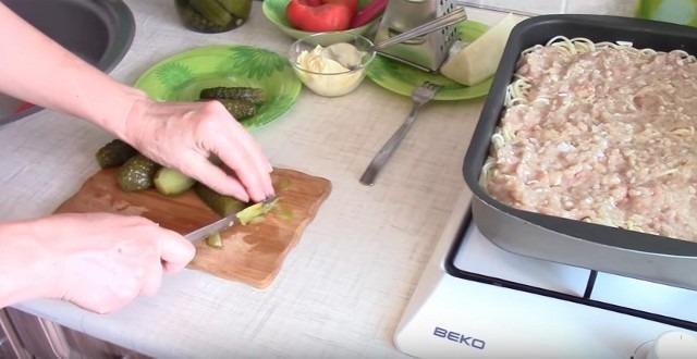 Запеканка из макарон с сыром и вкуснейшим соусом для макарон