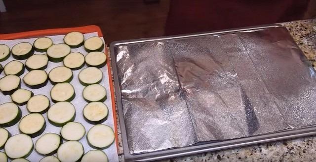 Кабачки в духовке с травами