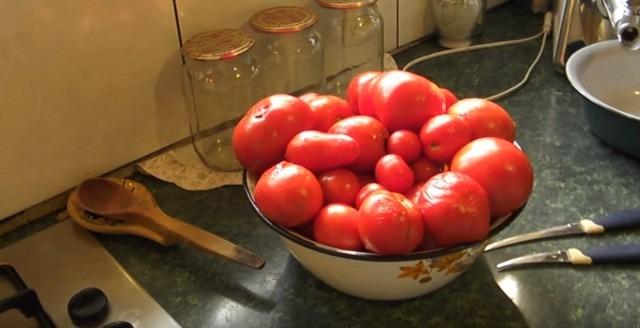 Томатный сок - помидоры