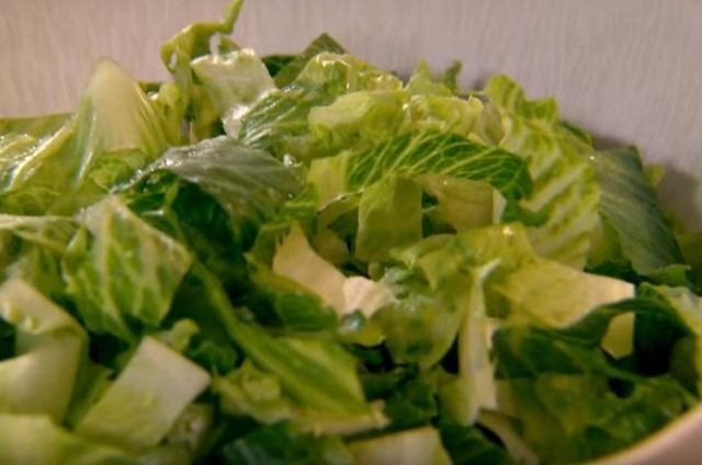 нарезаем салат