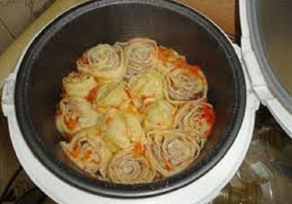 добавляем лук с морковью