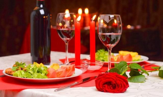 вино и свечи 14 февраля