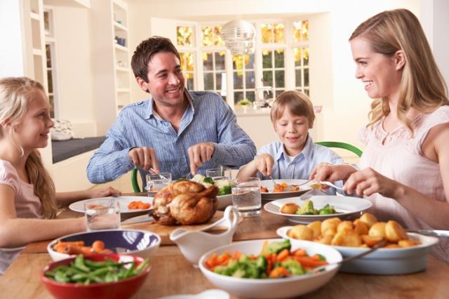 Семейный праздничный ужин