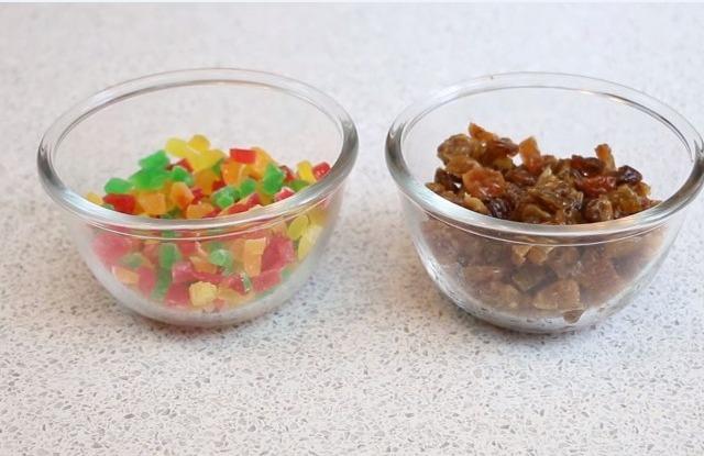 фруктовые цукаты и изюм