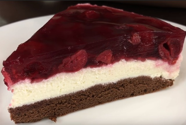 Пошаговые рецепты вкусных красивых тортов на 8 марта в домашних условиях (с фото)