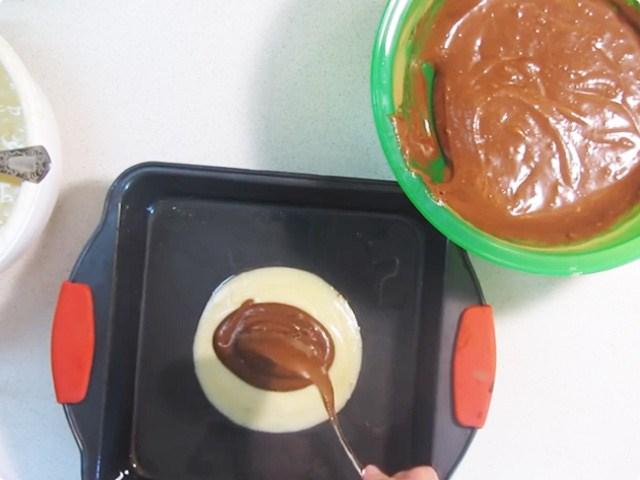 смешиваем тесто