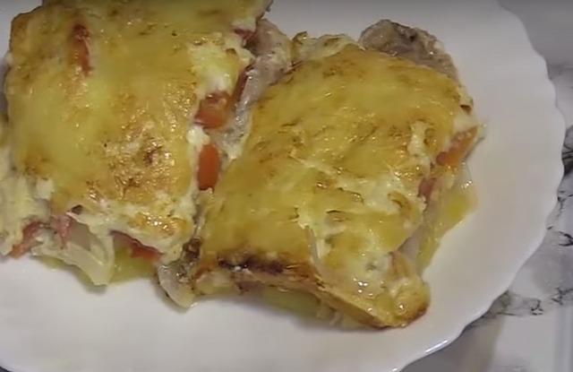 свинина с помидором, сыром