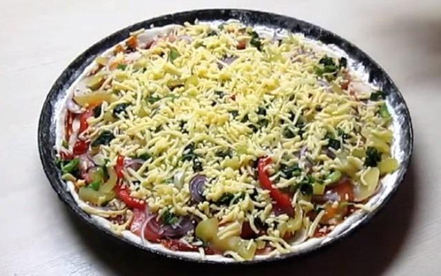 обсыпать блюдо сыром