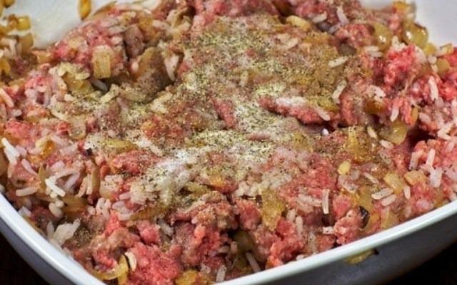 приготовить мясную начинку
