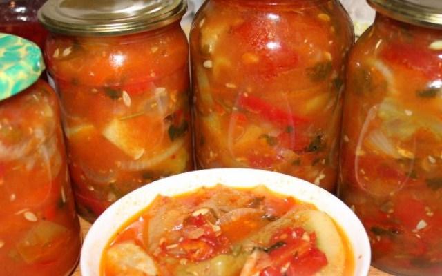 Зимний салат из огурцов, помидоров и перца