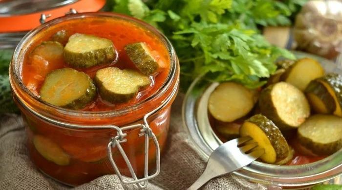 Рецепты самых вкусных  салатов из огурцов на зиму, домашние заготовки