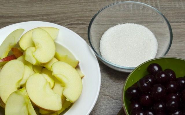 подготовить яблоки и вишню
