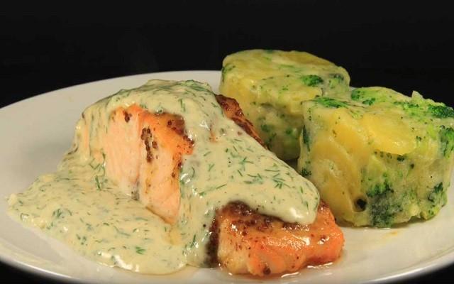 лосось под сливочным соусом