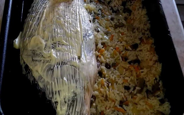 смазать рыбу майонезом