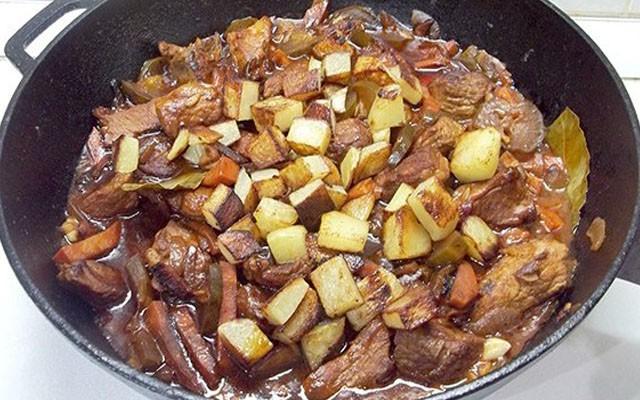 добавить жареную картошку в азу