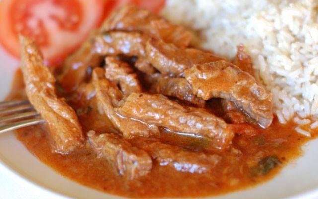 Татарское азу из говядины в томатном соусе без картошки