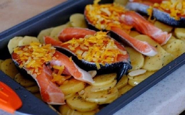 поджарка лук с морковкой на рыбе