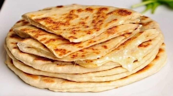 Рецепт приготовления лепёшек на сковороде и в духовке с различными добавками