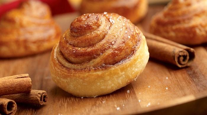 Как приготовить булочки с корицей — 6 вкусных пошаговых рецептов домашней выпечки