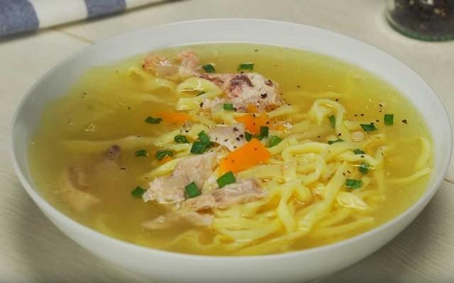 Классический рецепт куриного супа с лапшой