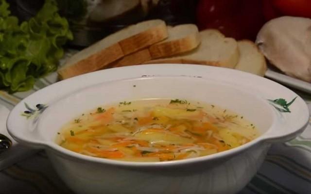 Куриный суп с вермишелью и картофелем