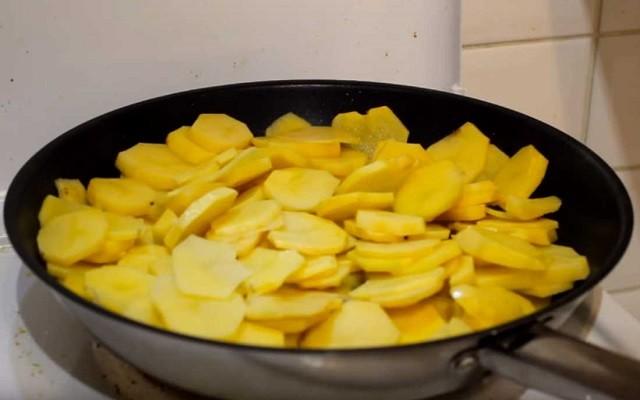 жарим картошку
