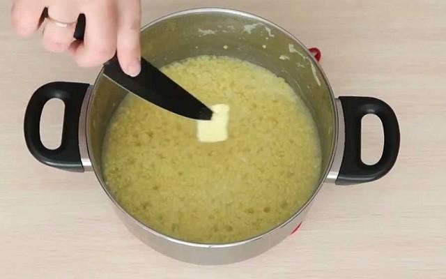 добавить масло
