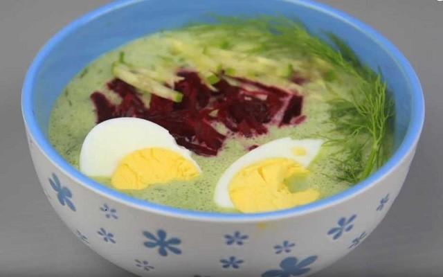Холодный суп на кефире с овощами и зеленью