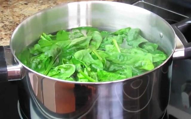 отварить шпинат