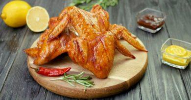 Как замариновать и приготовить вкусные куриные крылышки, простые пошаговые рецепты