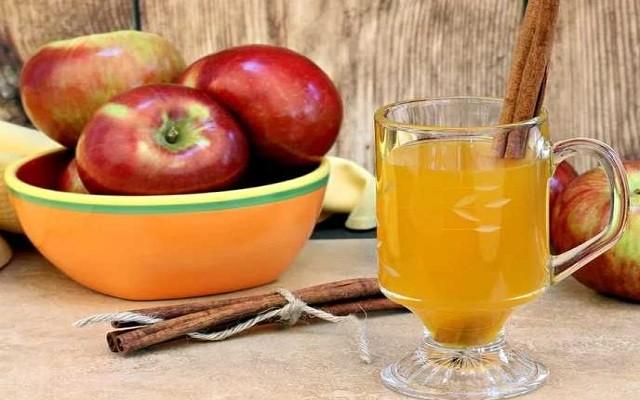 Яблочное вино с корицей