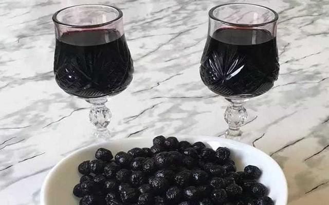 Вино в трехлитровой банке