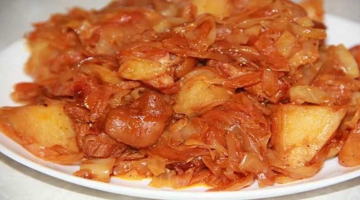 Как тушить капусту — рецепты приготовления вкусной тушёной капусты с картошкой и другими ингредиентами