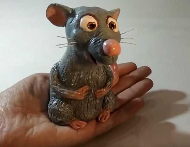 Крыса из мультфильма «Рататуй» из слоеного теста