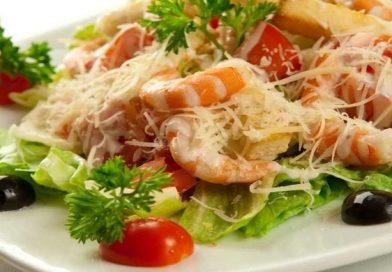 Рецепты приготовления самых вкусных салатов  из креветок с оригинальными ингредиентами