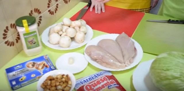 цезарь с курицей рецепт айсберг